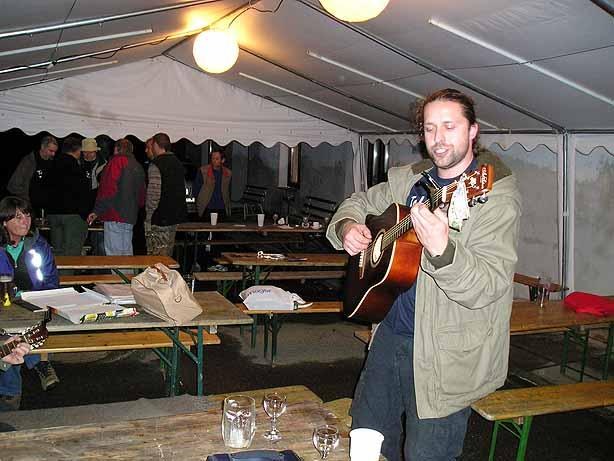 Na kytaru Oldřich Morávek